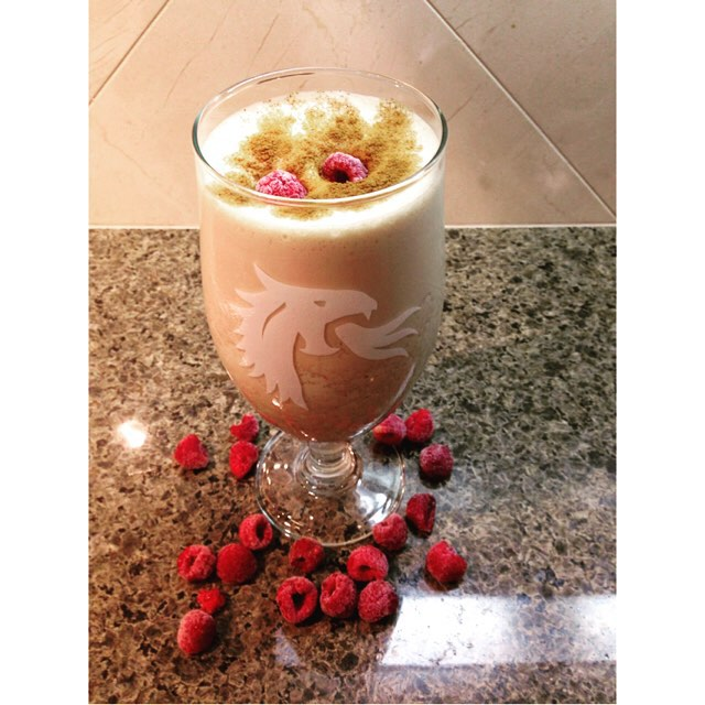 A delicious homemade protein packed addition to my morning meal. Raspberry banana smoothie. Low fat, #glutenfree , high #protein, fiber, omega 3's. Lots of deliciousness. 💪😋 💪recipe coming soon. For free workouts, health & fitness tips, motivation, and healthy recipes follow me on YouTube and Facebook (link in bio). 💪 Train 🌟Nourish🌟Transform🌟 #fit #fiber #fitfam #fitspo #fatburn #fatloss #fitgirl #fitlife #fitness #fitchick #fitmamma #fitmommy #foodporn #fitjourney #fitnessgoals #favoritethings #fitnessjourney #flexibledieting #fitnesslifestyle #bikiniready #bodyafterbaby #eatclean #eatingclean #cleaneating #comfortfoodhack #hiit #yoga