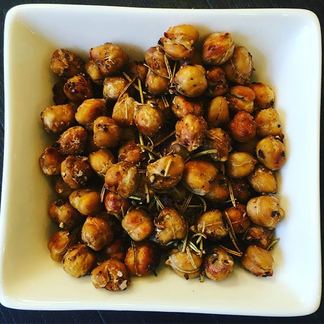 Say 'goodbye' to #hangry with this spicy roasted chickpea snack. A great healthy solution to quell that snacky feeling! Don't like chickpeas? You'll like them like this all roasted and crunchy!Ingredients: 1 14.5 oz can of chickpeas (rinsed)1/4 tsp garlic powder1 tsp rosemary, dried1/8 tsp cayenne pepper (or spicy Hungarian paprika)fresh ground Himalayan saltfresh ground pepper1/8 tsp olive oilDirections:1. Rinse chickpeas and blot dry with paper towels2. Mix in a bowl with olive oil, garlic, rosemary, cayenne (paprika), salt & pepper3. Spread seasoned chickpeas on a foil-lined baking sheet and roast at 450 degrees for 30 mins ♥ For real-time workouts SUBSCRIBE at link in bio ⬆️! Join me on Facebook, Twitter, & Pinterest for lots of awesome fitness & healthy living tips!Train. Nourish. Transform.#SweatWithJ #TeamFitForceFX #eatcleantraindirty